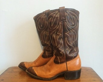 Vintage Tan & Chocolate Brown Leather Two Tone Cap Toe Cowboy Boots Mens 7 1/2 D / Womens 9