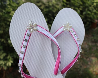 Mother of the bride gift, Hot pink Flip Flops, Pink wedding gift for bride, mother of the groom,Flat wedding sandals, White and pink shoes