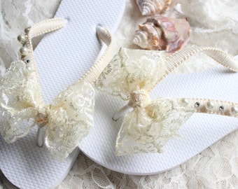 Boho wedding Ivory lace bridal flip flops bride, bridal shower gift, dancing shoes, romantic wedding, shoes, honeymoon gift, lace sandals