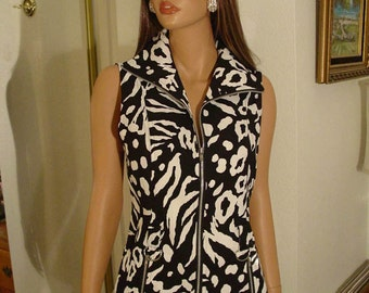 Black and White Zip Front Sleeveless Top Vest