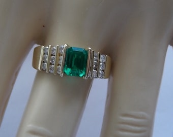 Emerald and Diamond Ring 1.40Ctw Yellow Gold 14K 5.8gm Size 8.25 Engagement Wedding Birthstone