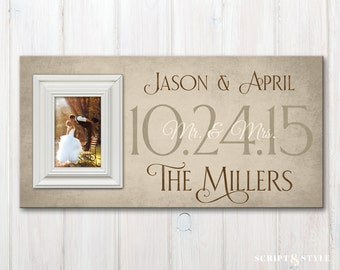 Personalized Wedding Wood Picture Frame with Wedding Date, Custom Familiy Established Picture Frame, Wedding Anniversary Frame