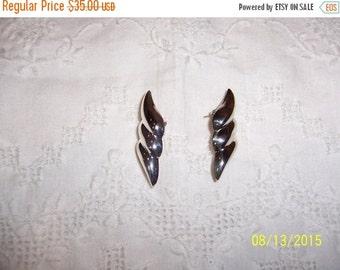 20 OFF EVERYTHING Vintage Swirl Earrings. Sterling silver.