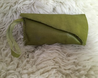 Green apple wristlet- 1601
