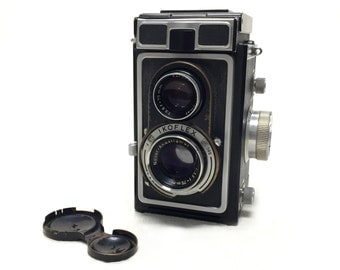 "Vintage 1950s Zeiss Ikon ""Ikoflex"" Box Camera"