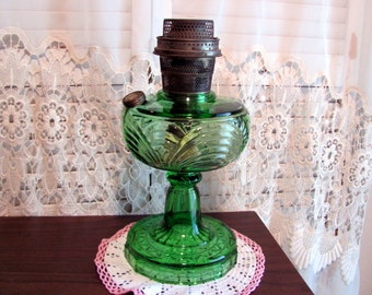 Aladdin Oil Lamp Green Crystal Washington Drape with Rare Bell Stem