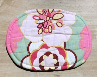 OVAL Trivet Quilted Hot Pink Yellow Floral Motif Mint Green Polka Dot Fabric Hot Plate Hostess Gift Teacher Gift Spring Trivet Gift Basket