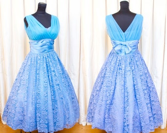 1950s Dress // Turquoise Blue Nylon and Lace Full Skirt Party Dress