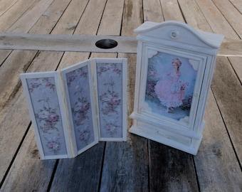 Dollhouse shabby wardrobe/closet  - folding screen