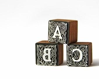 ABC Stempel und Siegel · Quadratisches Muster