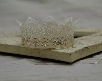 Newborn Lace Crown...Photography Prop...Newborn...Halo...Baby Crown...Baby Girl Crown...Lace...Baby