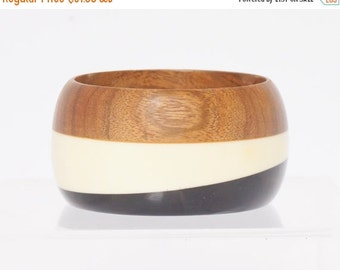 BIG SUMMER SALE Wood Lucite Bangle Beautiful wood and lucite bangle in black cream and brown - vintage wood lucite bracelet - lucite bangle,