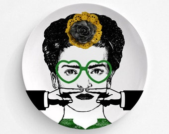 Melamine Plate Frida Kahlo Moustache - Frida Kahlo Finger Moustache - Melamine Plate - Frida Kahlo Art  - decorative plate - Dinner Plate