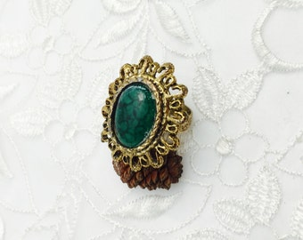 Victorian Ring, Adjustable Size, Oval Green Stone Gold Tone, Vintage Jewelry, Item No. B804