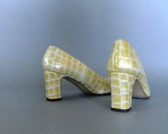yellow pumps, Lavorazione Artigiana shoes, vintage 90s shoes, womens leather pumps heels
