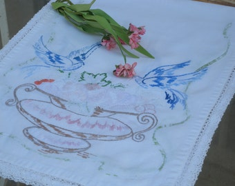 Vintage Hand Embroidered  ~ Linen Runner with Basket of Fruit and Birds // Home Decor//Vintage Table Scarf
