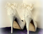 Lace Wedding Shoe Clips, Bridal Shoe Clips, Chantilly Lace Bow Shoe Clips, Shoe Clips for Wedding Shoes, Bridal Shoes, Womens