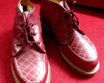 SALE - Rare Gorgeous 1940's French Vintage Nos Winter Boots in Burgundy Leather and Crepe Soles, Eur Size 36-37