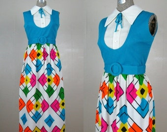 25% Off Summer Sale.... Vintage 1960s 1970s Maxi Dress Hip To Be Square 60s 70s Geometric Print Dress Size 8M