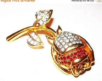 """Rhinestone Rose Brooch Pin Red & Clear Ice Stones Gold Metal High Fashion Holidays 2015 2.5"""" Vintage"""