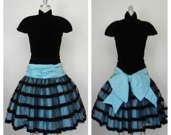 Vintage 1980s Victor Costa Velvet Black/Baby Blue Dress