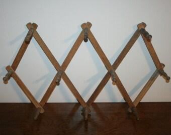 Accordion Peg rack,wall rack,wall organizer,rack,peg rack,wall organizer,jewelry organizer,scarf organizer,expandable peg rack,folding rack,
