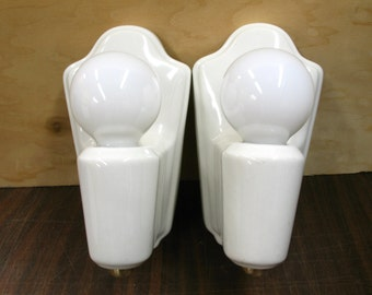 1973 Pair White Porcelain Bathroom Kitchen Wall Sconces Rewired Restored w/ Bulbs