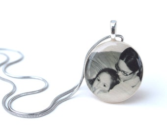 Grandma necklace custom portrait jewelry Personalized photo gift, Custom portrait Photo necklace mom, photo gifts, mothers day wood necklace