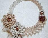 Shadow  beige  flowers crochet necklace.