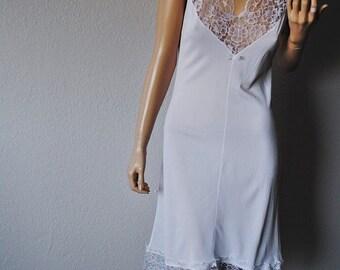 VALENTINE SALE Vintage White Lace Detail Nightie - Small