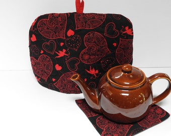 Cupids and Hearts on Black - Quilted Dome Tea Cozy with Trivet