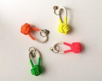 NEON // rope knot keychain