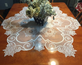 Vintage White Lace Round Dining Luncheon Tablecloth  by MarlenesAttic