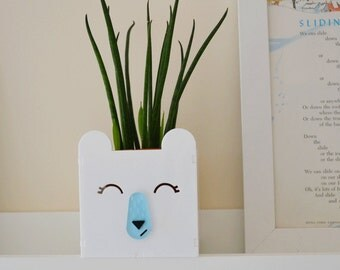Polar bear succulent planter plant pot in white