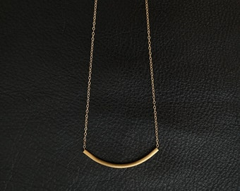 Gold Tube Necklace || Curved Bar || Gold Filled Chain || Minimalist Jewelry || Brass Bar Necklace || Everyday Wear || Simple || Layering