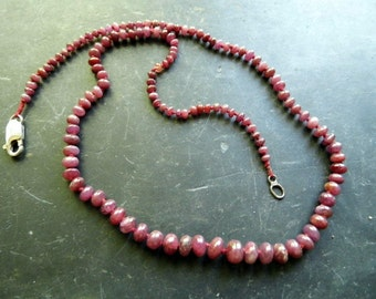 Chain, Ruby jewelry, red, history, knotted,
