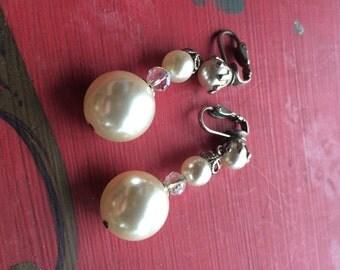Vintage faux pearl dangle earrings wedding bridal mad men free shipping