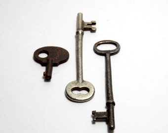 skeleton keys - vintage keys, steampunk/assemblage jewelry, set of 3