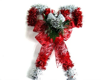 Red and silver wall hanging, Tinsel candy cane, Christmas holiday decoration, Indoor Christmas decoration, Holiday tinsel accents (C503)