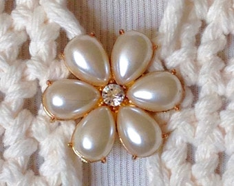 The mattie faux pearl and rhinestone flower sweater clip brooch