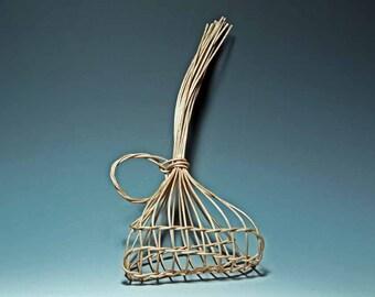 walnut garlic basket