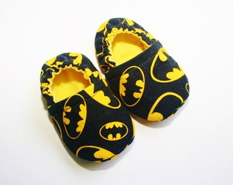 Batman baby shoes/slippers. Non skid soles for 9 months up. Cotton and flannel.Made to order.
