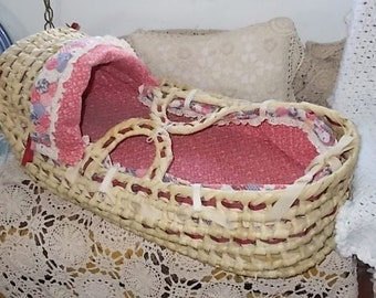 Moses Basket, Vintage Moses Basket, Vintage baby, Vintage Basket, Wicker Rattan Woven, Baby Basket, Vintage Home Decor, Country Decor,  :)s