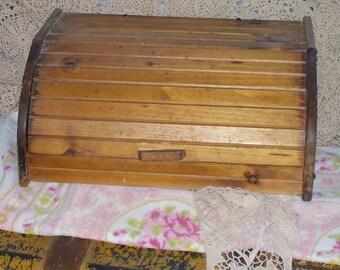 Bread Box, Primitive Bread Box, Rolled Top Looking Bread Box, Country Kitchen Decor, Farm House Kitchen Decor, Vintage Home Decor, Box  :)s*
