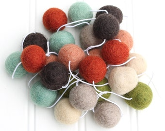 Woodsy Felt Ball Garland, Pom Pom Garland, Red Green and Brown, Gender Neutral Garland, Nursery Decor, Felt Ball Bunting, Autumn Decor