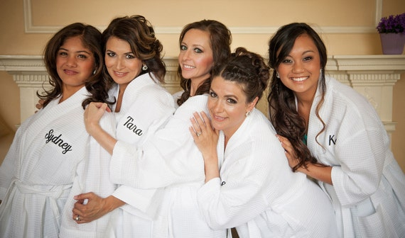Bridesmaid Robes Set of 7 Cotton Wedding Day Robes with Embroidered Monogram in 10 Colors