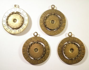 4 Antique Brass Spinning pendants with 18mm Setting