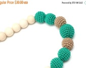 25% off Emerald green & Mocha Nursing necklace by MagazinIL