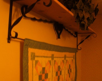 Quilt Hanger & Shelf
