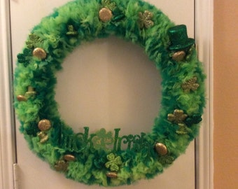 "St. Patrick's Day Wreath - ""Luck of the Irish"" - Awesome Tulle Wreath w/ Glitter Ornaments – Approx. 18"""